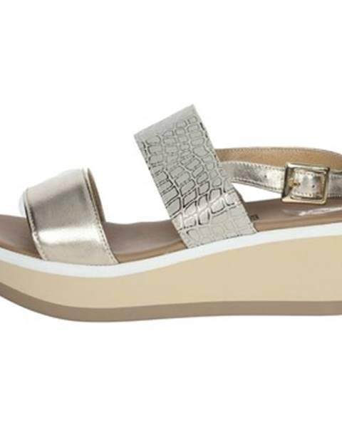 sandále Tredy's