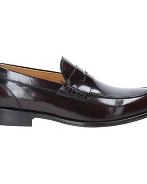 Červené topánky Exton