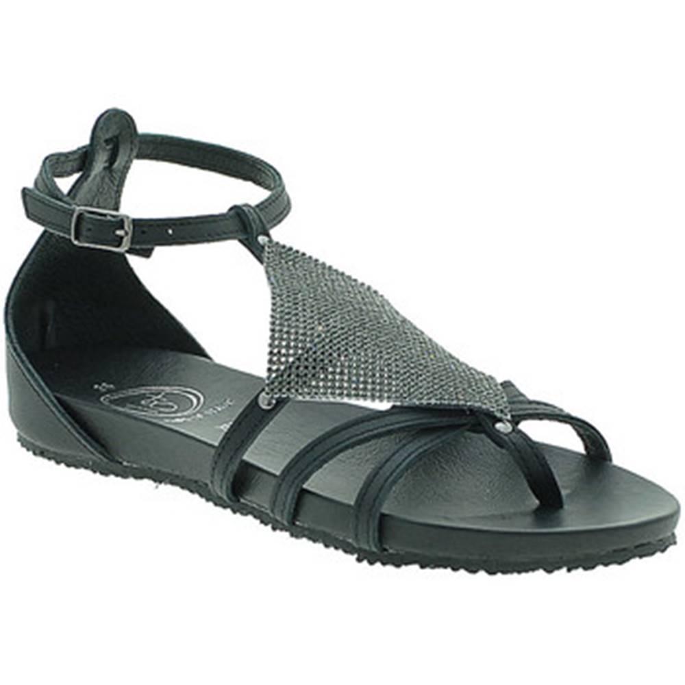 18+ Sandále 18+  6108