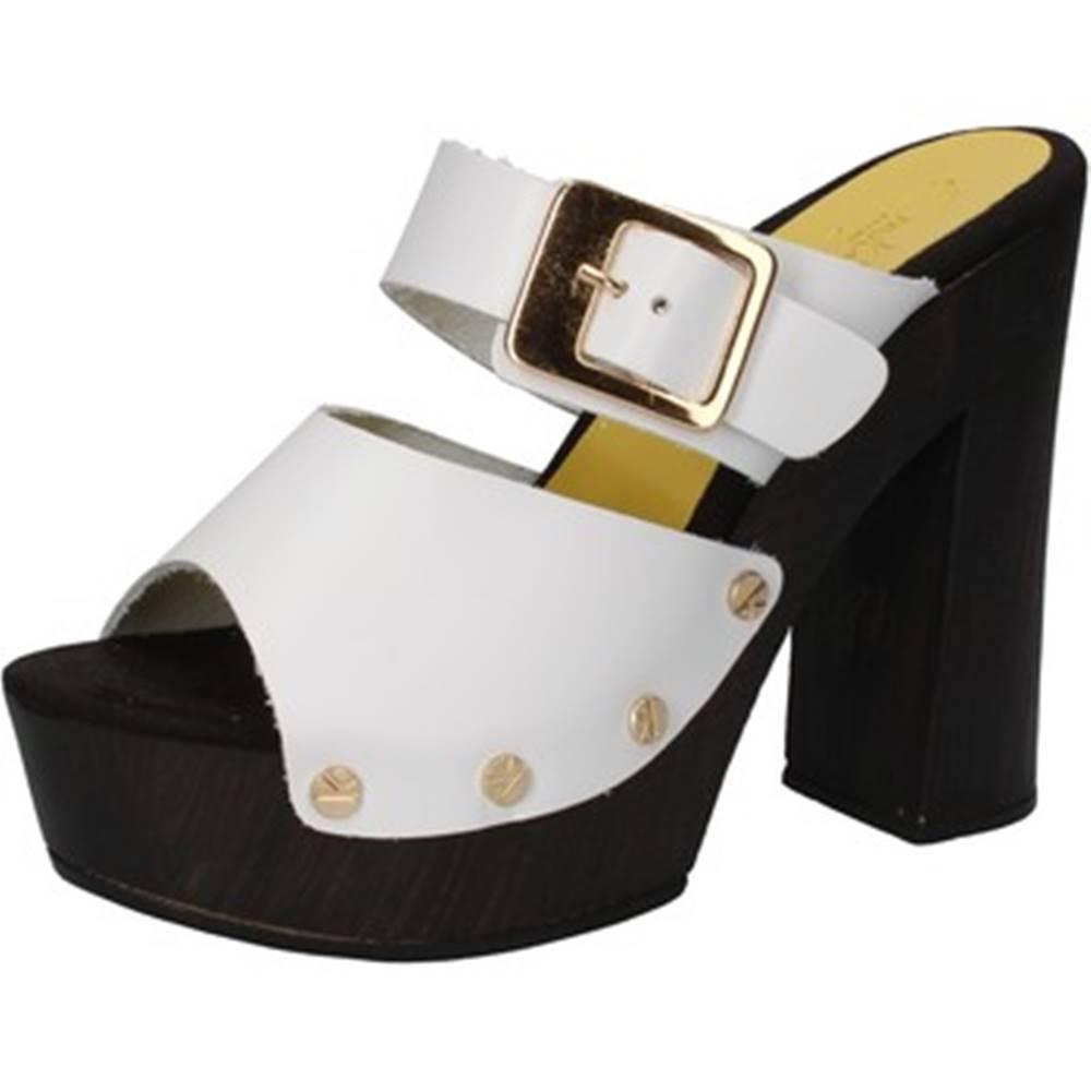 Suky Brand Sandále Suky Brand  Sandále AC768