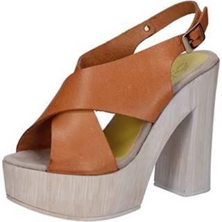 Sandále Suky Brand  sandali marrone pelle AB310