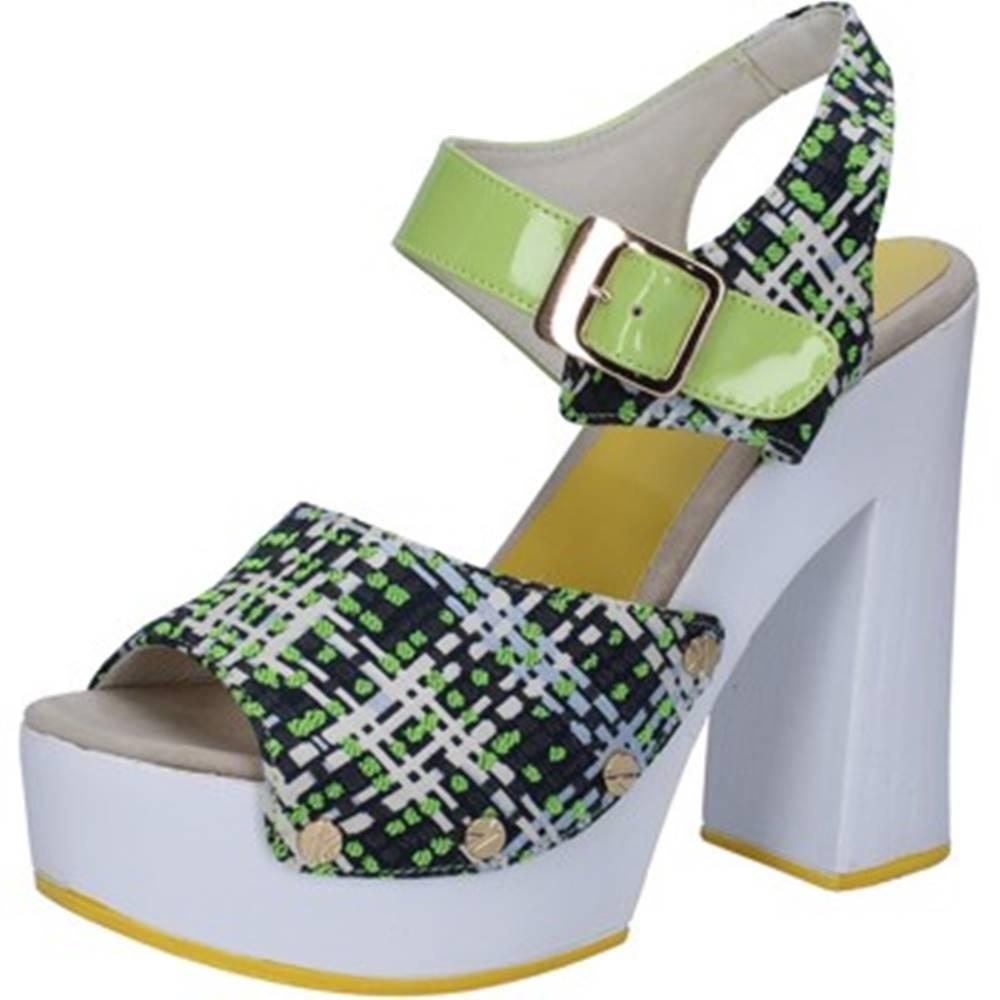 Suky Brand Sandále Suky Brand  sandali verde tessuto vernice AB309