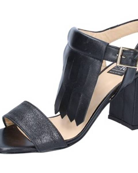 Čierne sandále Islo