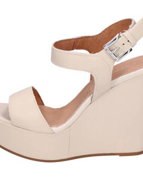 Béžové sandále Carmens Padova