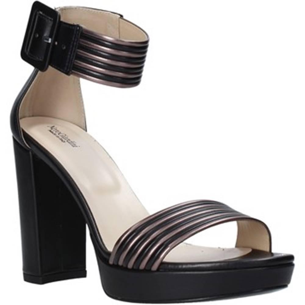 NeroGiardini Sandále  E012203D