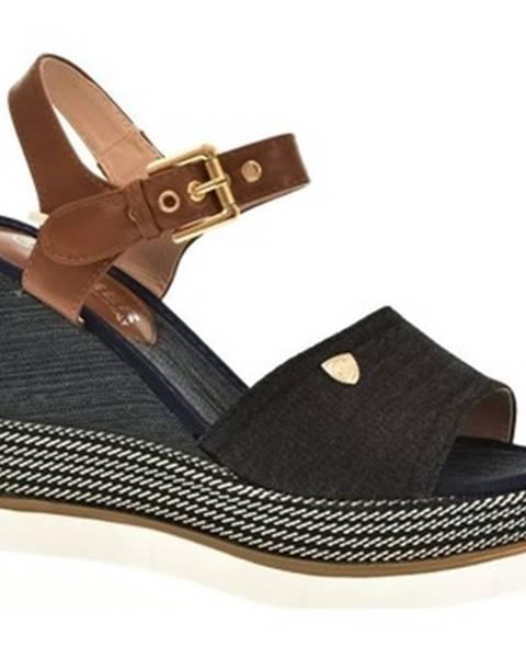 Čierne sandále Comer