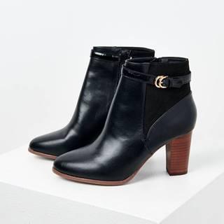 Čierne členkové topánky na vysokom podpätku