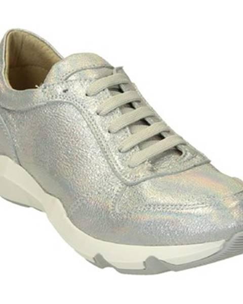 Strieborné tenisky Leonardo Shoes