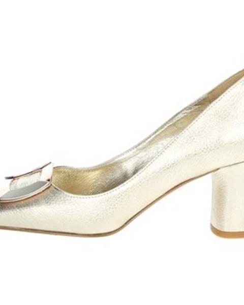 Zlaté topánky Angela C.