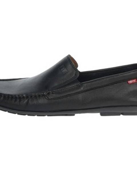 Čierne topánky Nuper