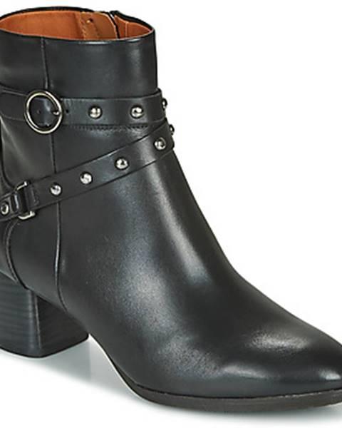 Čierne topánky Pikolinos