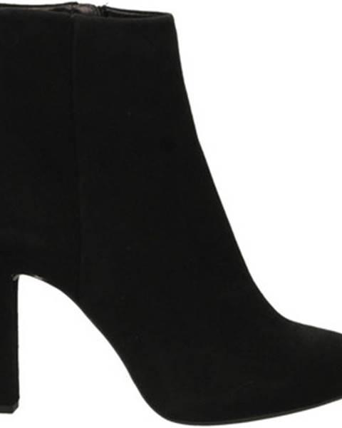 topánky Unisa