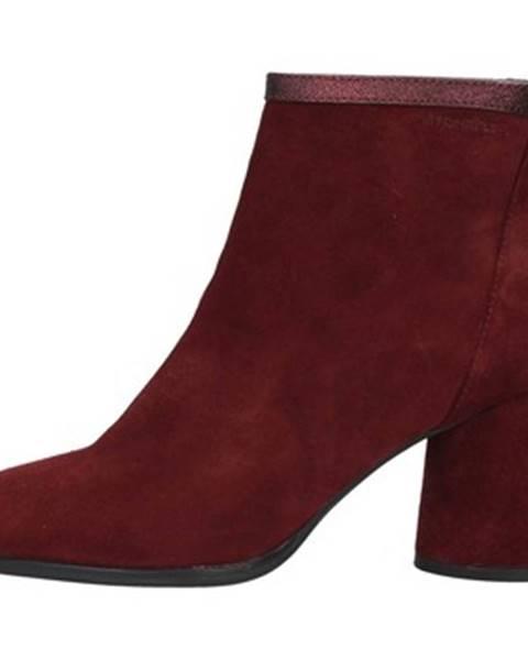 Červené topánky Stonefly