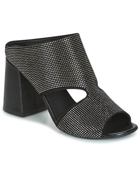Čierne topánky Mimmu