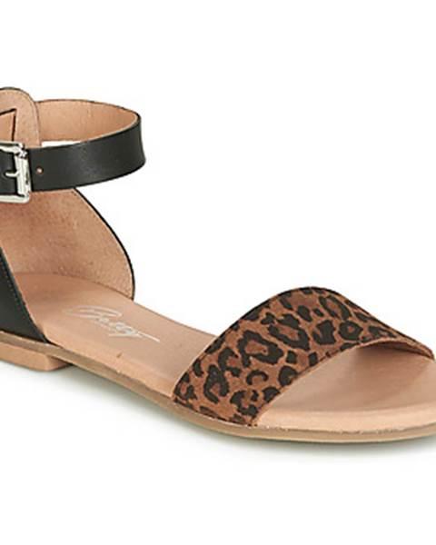 Čierne sandále Betty London