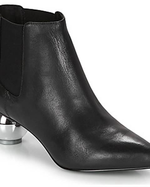 Čierne topánky Katy Perry