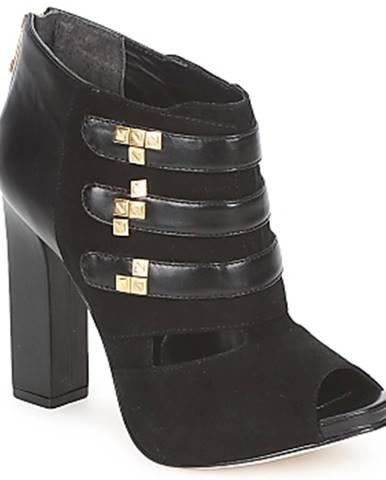 Čierne čižmy Kat Maconie