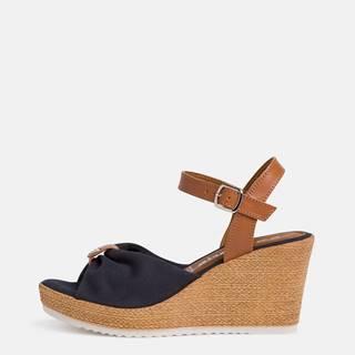 Tmavomodré sandálky na plnom podpätku Tamaris