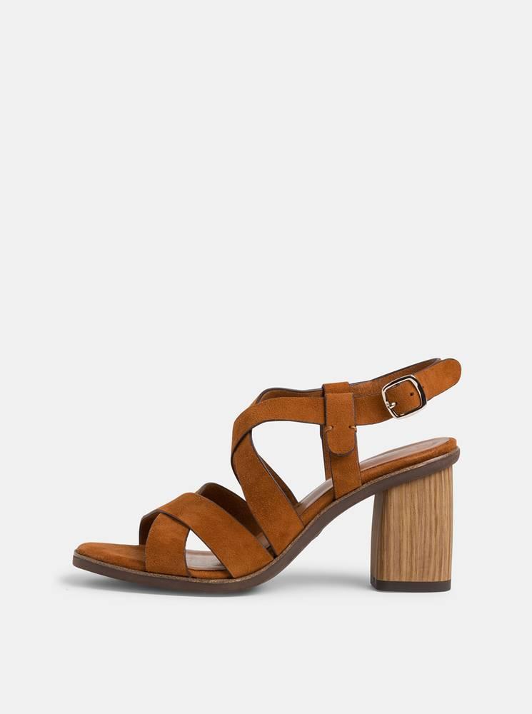 Tamaris Hnedé semišové sandálky Tamaris